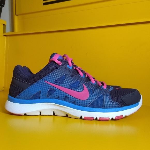 1bd00b6d34ffe Nike Flex Supreme TR 2 Pink Blue Size 8 Women s. M 5c4059aabb7615b6dbb14ae1